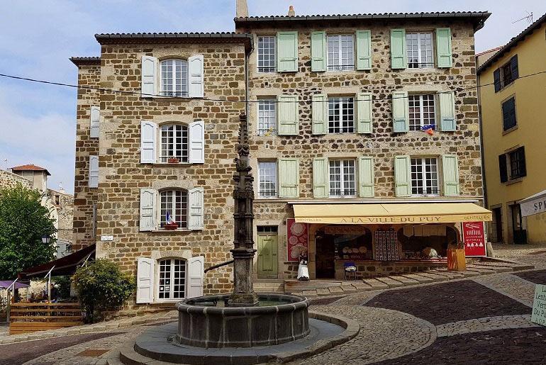 Steinhaus in Le Puy-en-Velay