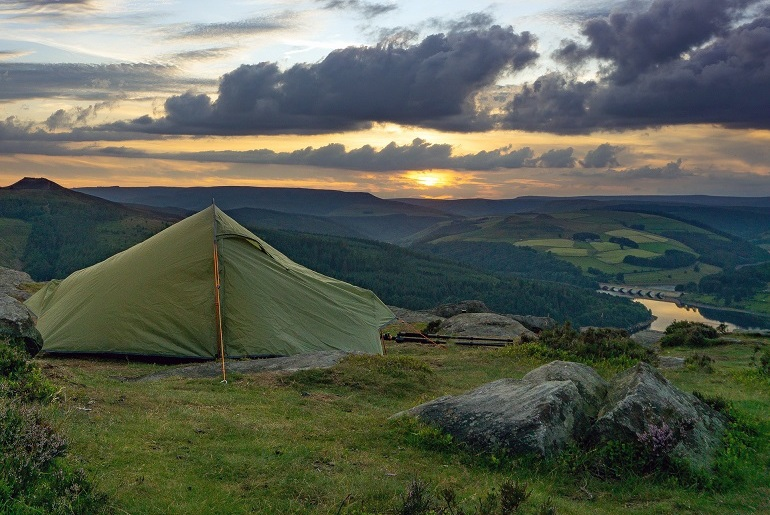 Freise Zelten in der Natur